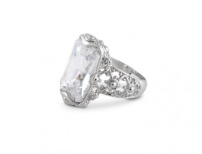 Stunning silver ring with Diamond